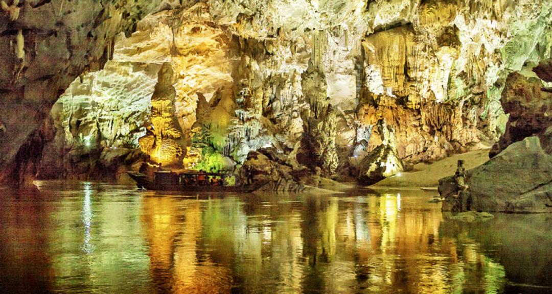 phong nha cave tour from hue