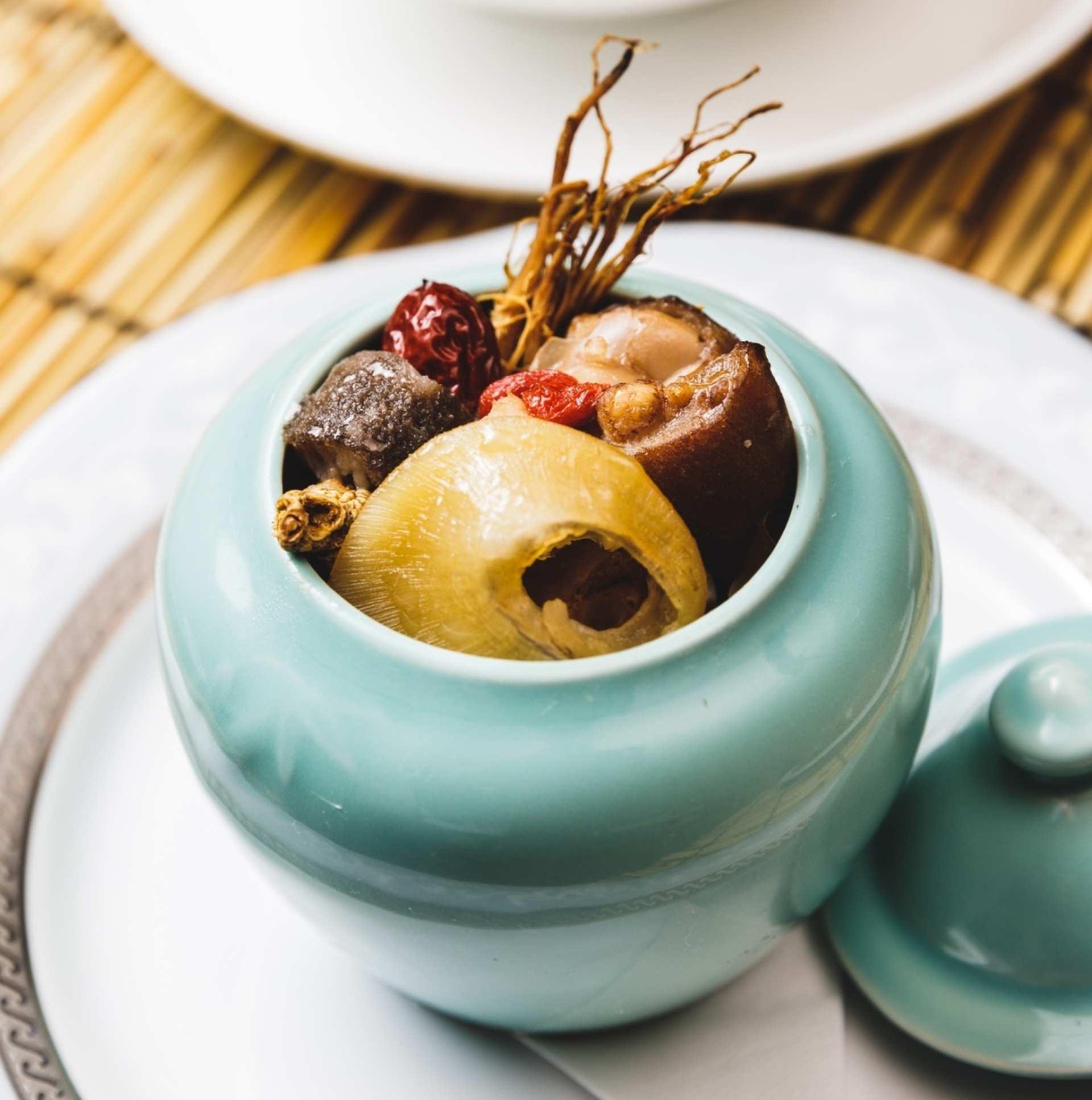 2021年春節・本場台湾のおせち料理(年菜)を日本にお届け!佛跳牆・滷豬蹄膀・燻鶏など15種類・送料込み|おうちで台湾