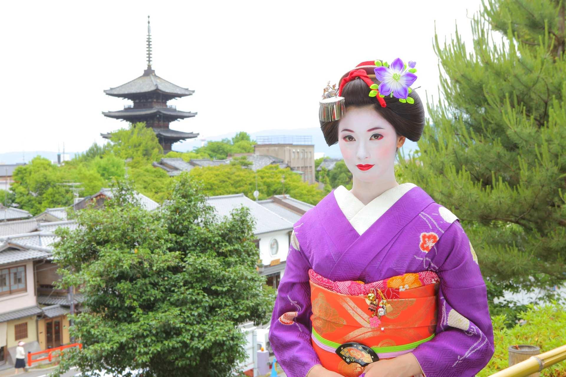 【京都・清水エリア】舞妓変身スタジオ四季:舞妓体験+写真撮影プラン
