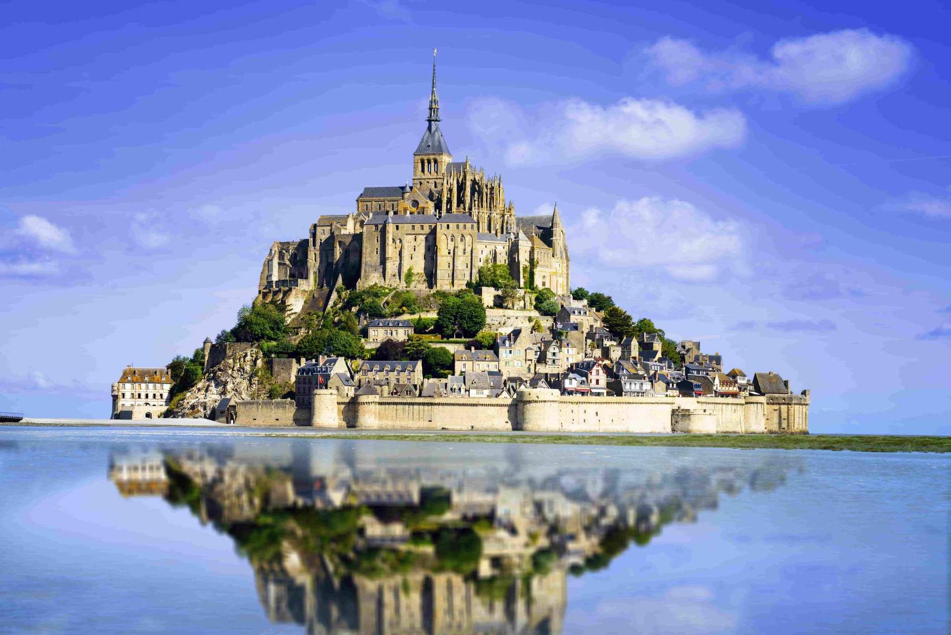 【パリ出発】世界遺産モン・サン・ミッシェル1日ツアー(日本語ガイド選択可)