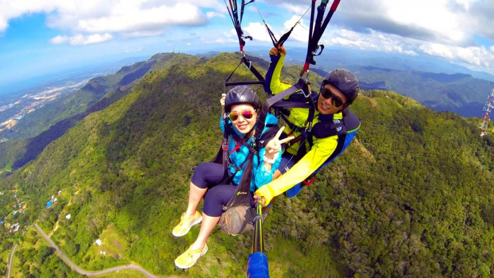 【翱翔沙巴藍天】蘭瑙鎮滑翔傘與神山體驗一日遊