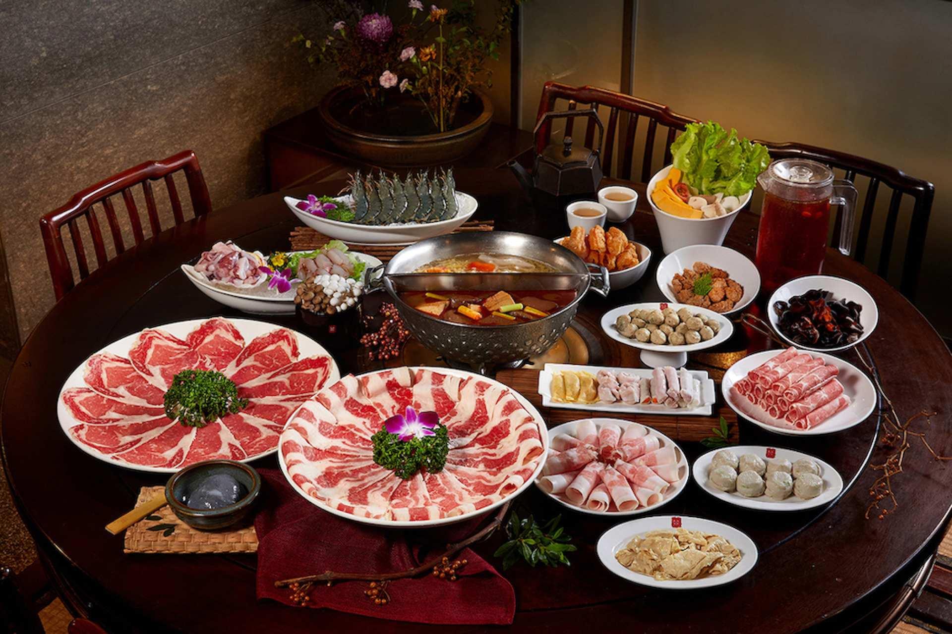 【台灣經典鍋物】鼎王麻辣鍋、酸菜白肉鍋 ・ 二人四人六人套餐
