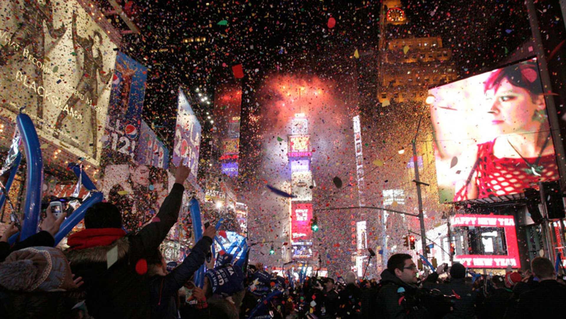 【ニューヨーク】アップルビーズ:タイムズスクエア年越しカウントダウン お食事付き入場パス