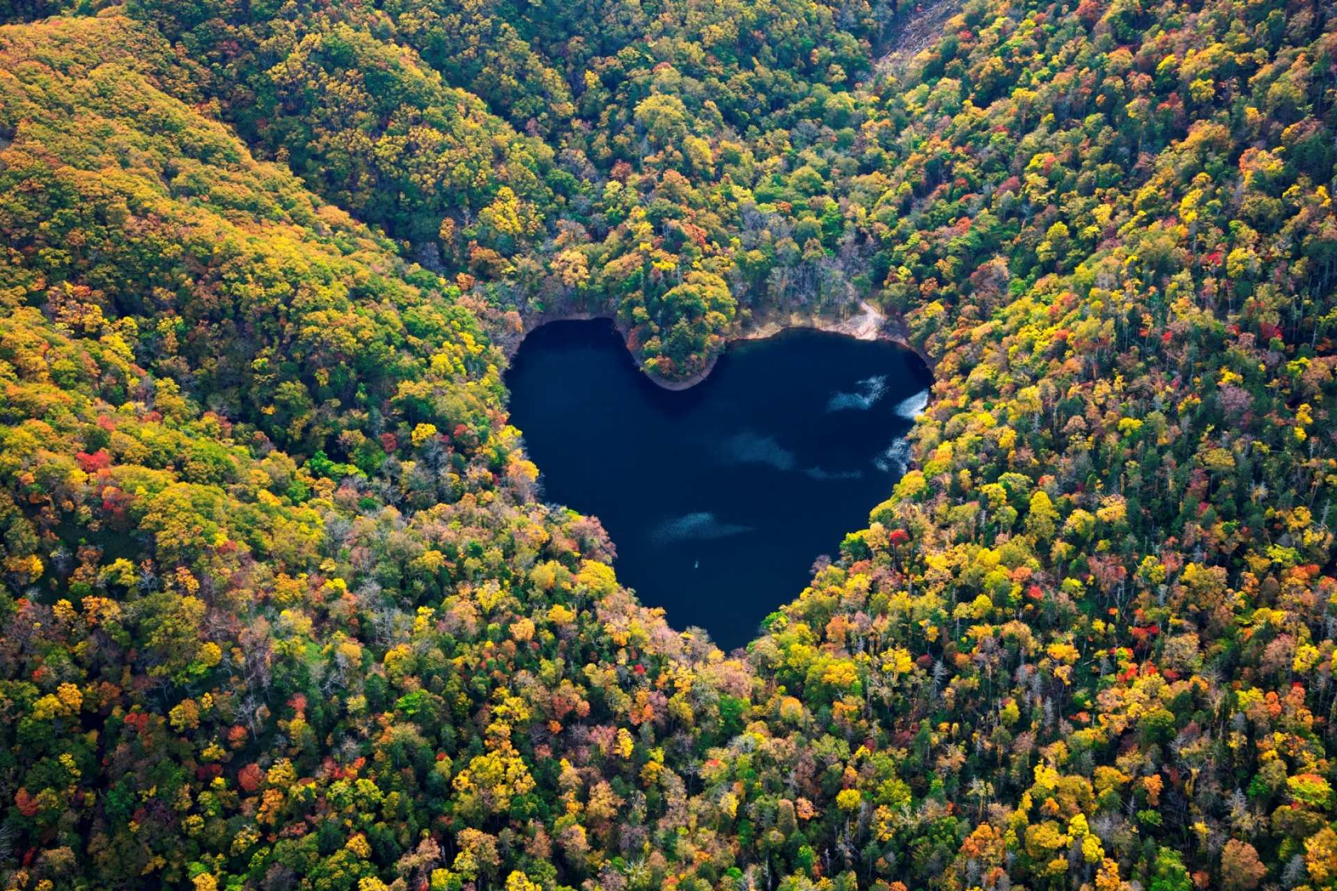 【北海道空中體驗】直昇機遊覽心型湖 LOVE LAKE