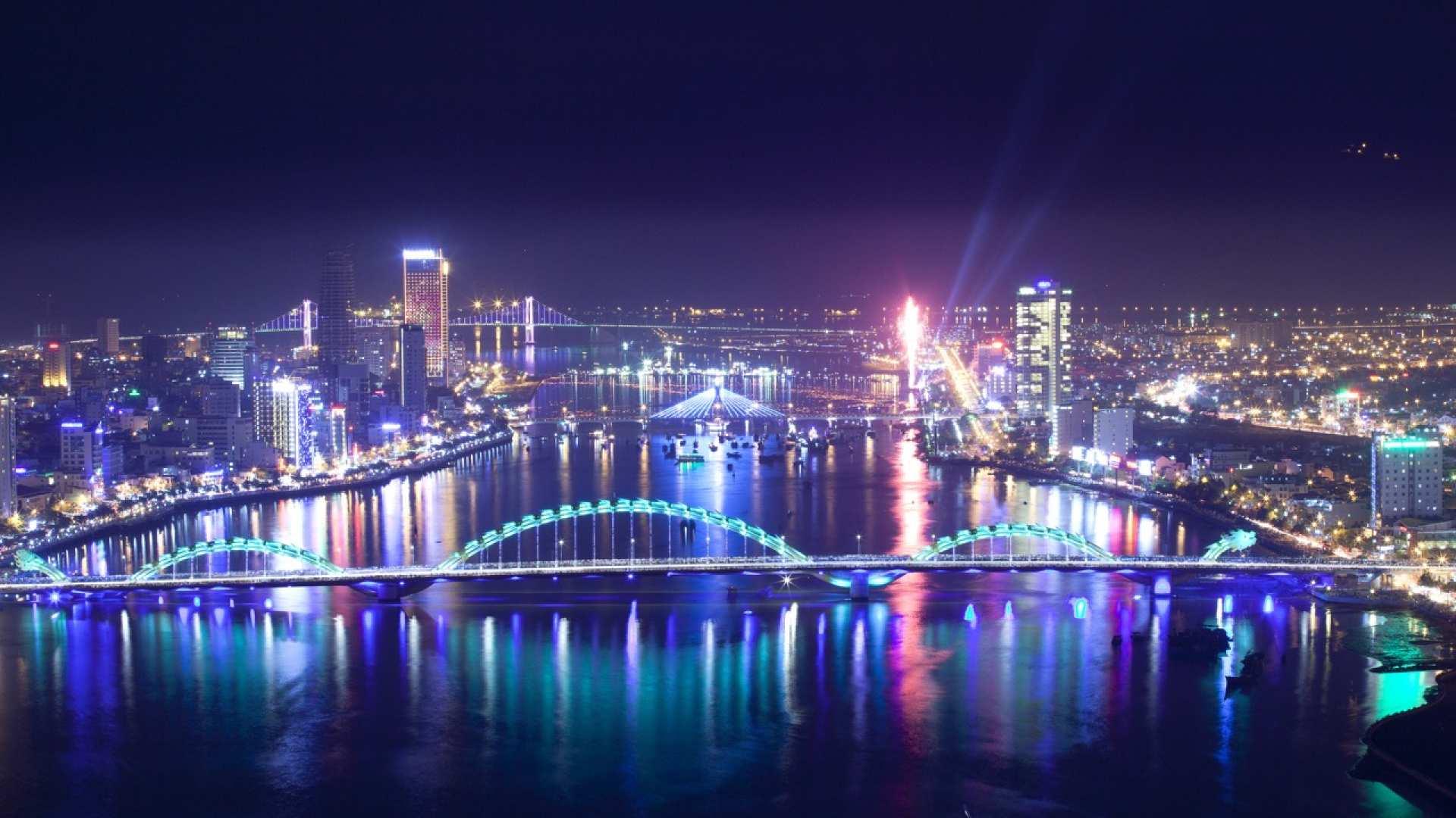 【搭乘豪華龍船】夜遊漢江與豐盛晚宴