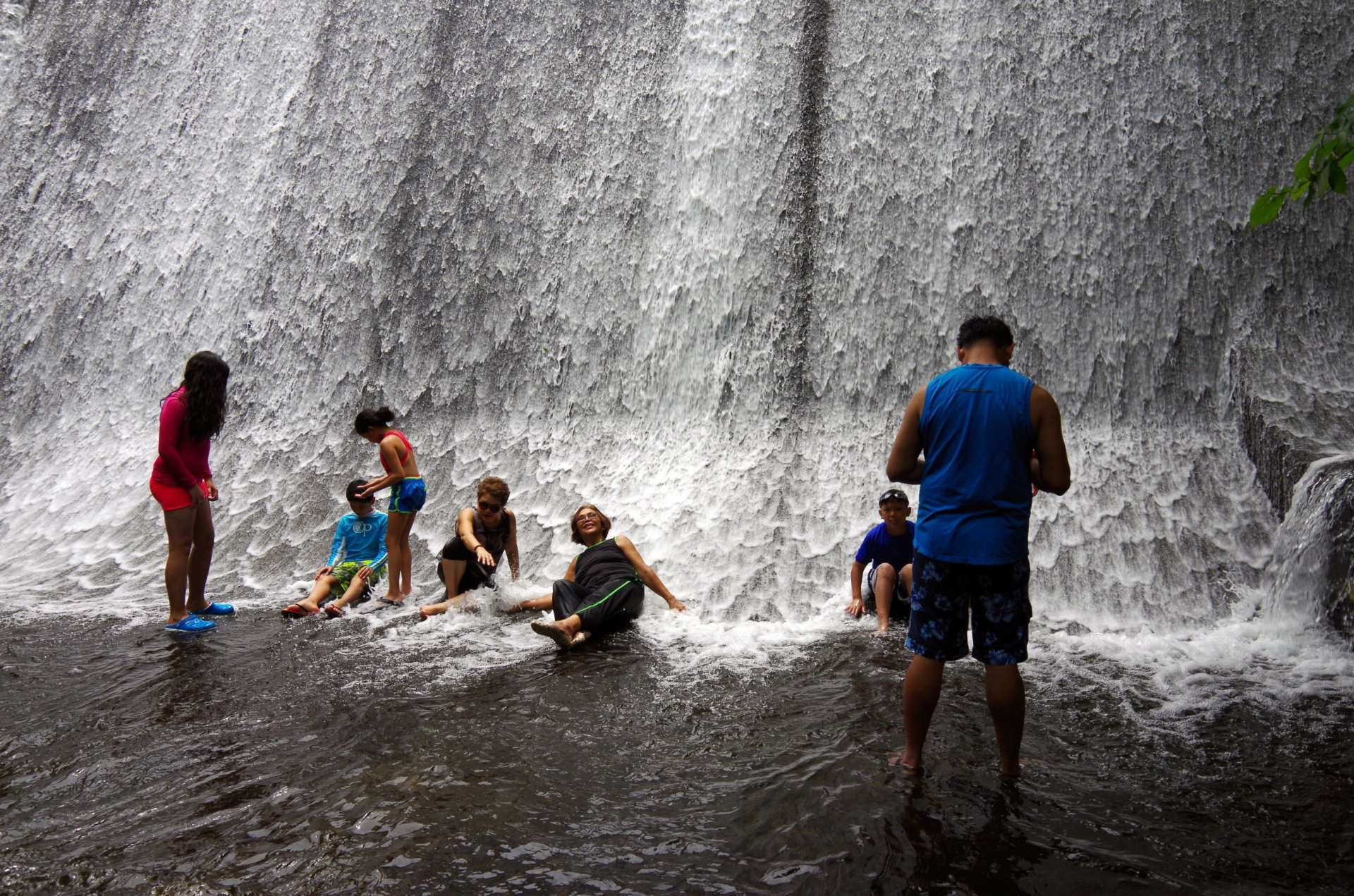 【馬尼拉田園風光巡禮】鄉野水莊瀑布餐廳一日遊 Villa Escudero