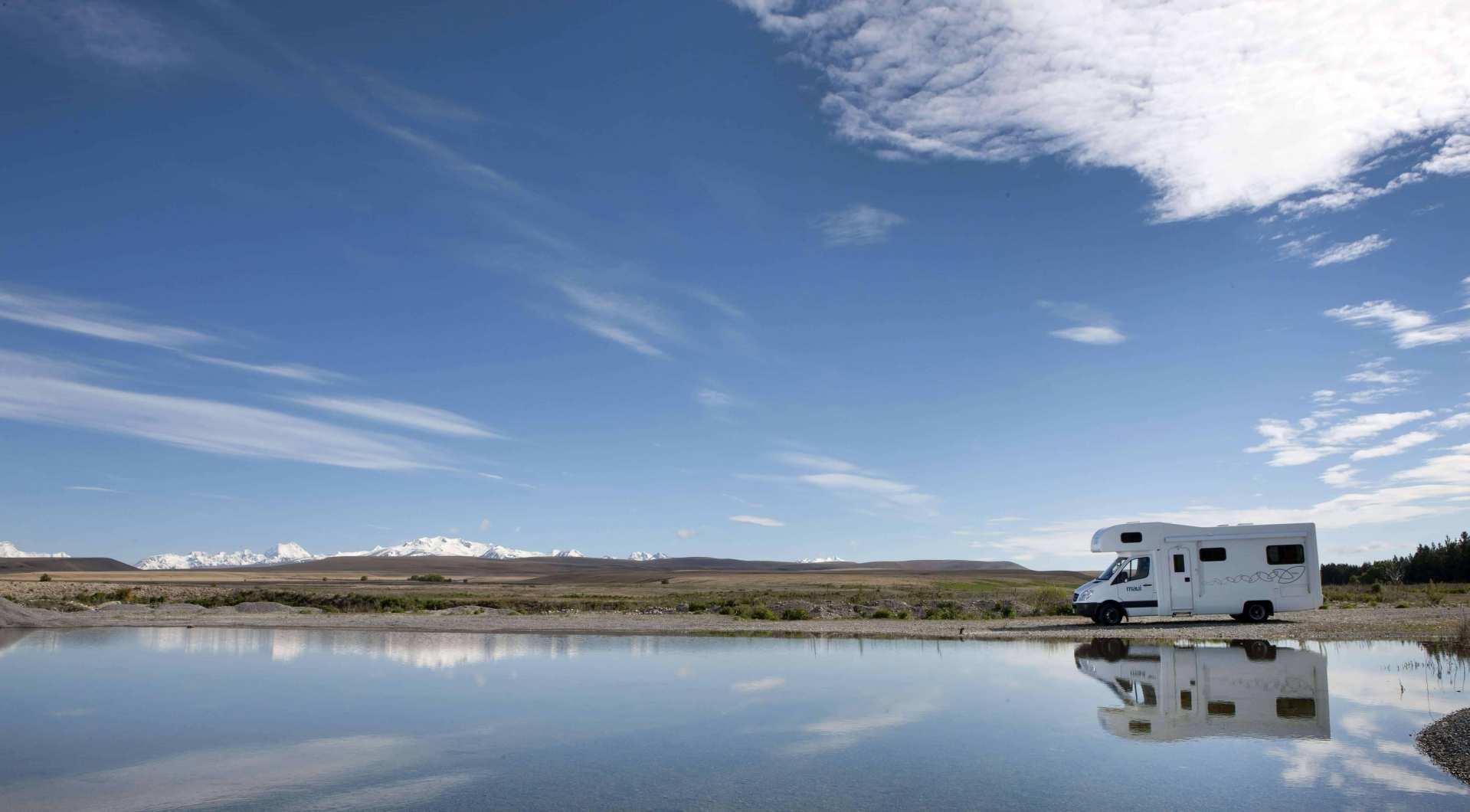 【紐西蘭租車】MAUI 六人座河畔型露營車(奧克蘭取 / 奧克蘭還)