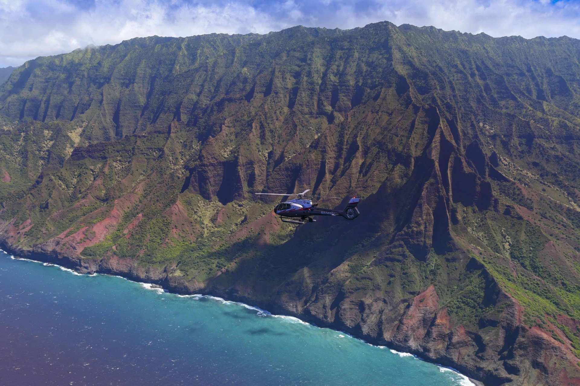 【俯瞰原始天然美景】夏威夷可愛島直升機體驗(含飯店接送)