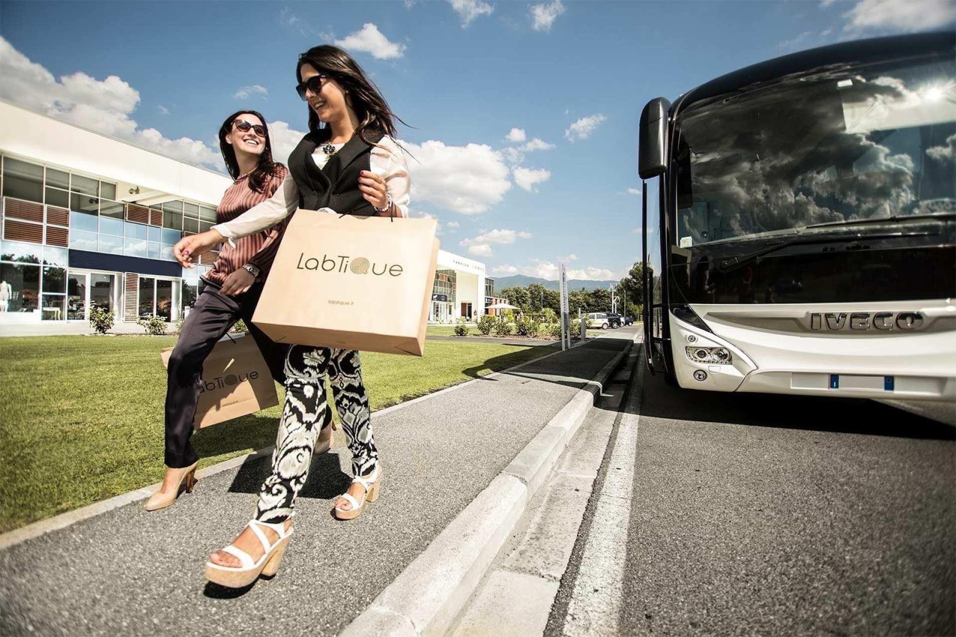 【佛羅倫斯購物村】The Mall Luxury Outlets 往返接駁巴士