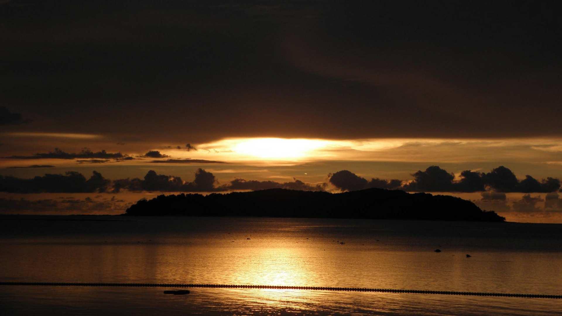 【沙巴最美夕陽】走訪亞庇的歷史文化,漫步丹絨亞路海灘