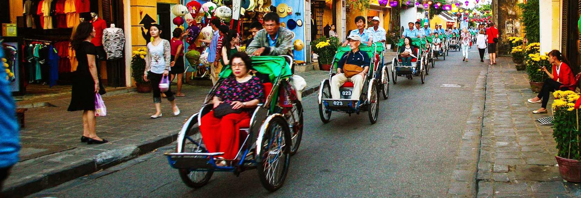 【ホーチミン】シクロ(三輪自転車)でめぐるローカル市場半日ツアー:ベトナム
