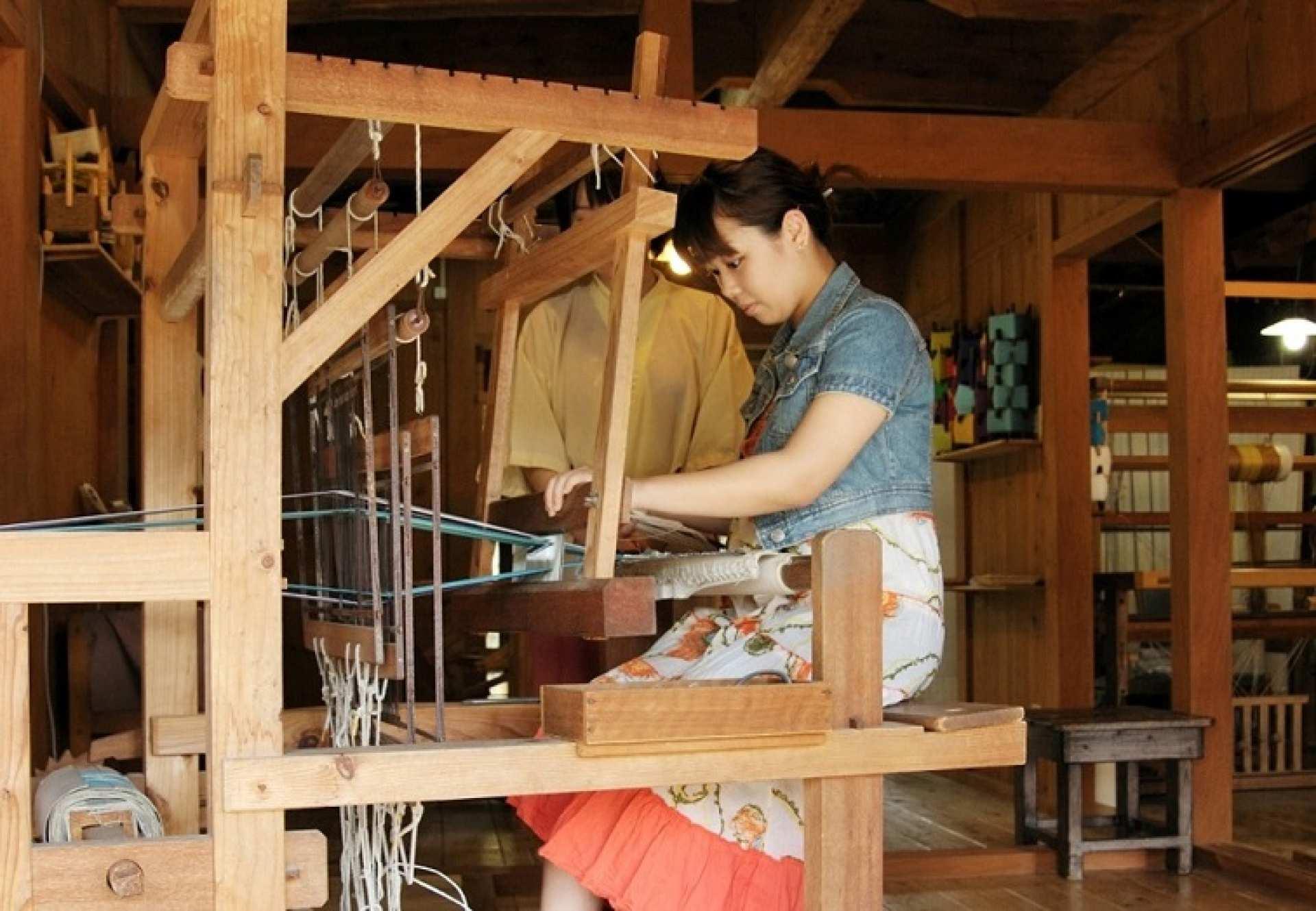 【沖繩特色體驗】沖繩文化王國傳統編織:輕鬆製作小杯墊