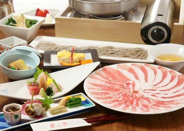 【【東京美食】高級黑豬肉涮涮鍋・東京銀座 羅豚 GINZA GLASSE 店