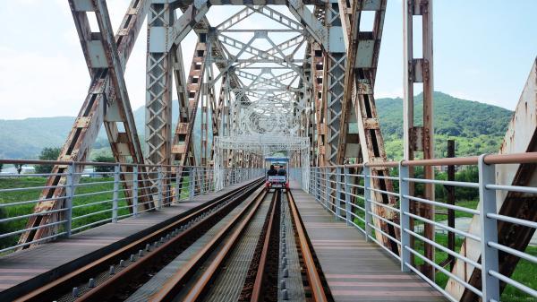 【【初夏FUN一下!】海洛東鐵道自行車、甘川文化村、松島天空步道、國際市場(釜山出發)