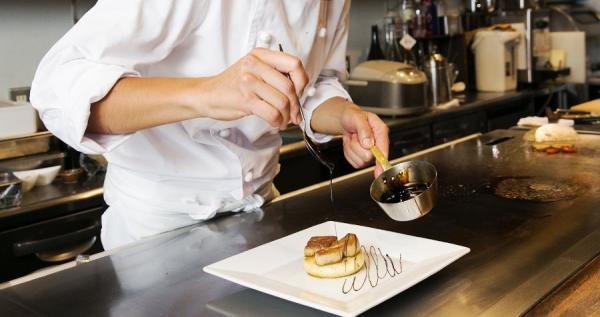 【【美食評鑑肯定】特別紀念日的驚喜餐廳!東京 高田馬場鐵板燒 櫻