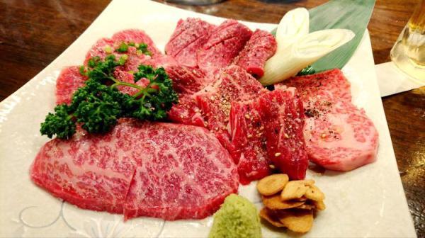 【【沖繩美食】那霸市石垣牛Agu豬燒肉餐廳・肉 久茂地