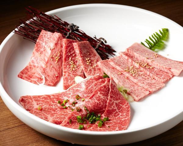 【【沖繩人氣美食】Roins レストラン ロインズ 那霸和牛、豚燒肉餐券