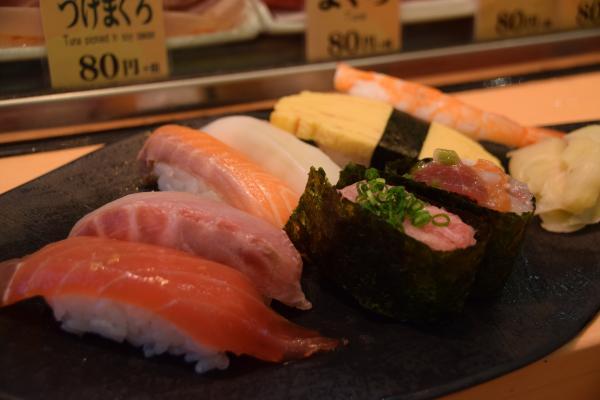 【【TripAdvisor 卓越獎】Tokyo FooDrink Tour・專業導遊帶您逛築地市場吃好料