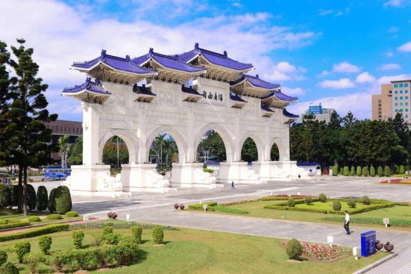 【【4小時速遊台北】台北101中正紀念堂包車半日遊