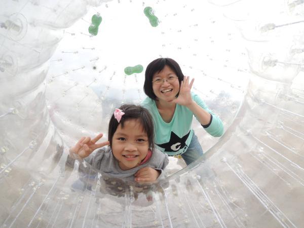 【【墾丁陸上活動】南灣草地雙人飛球體驗