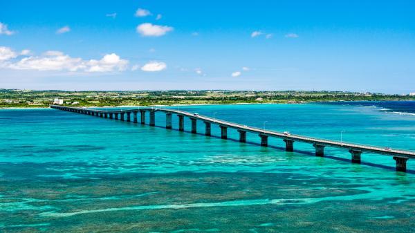 【【沖繩中北部】美麗海水族館/植物園二選一:古宇利島、美國村巴士一日遊(含門票)
