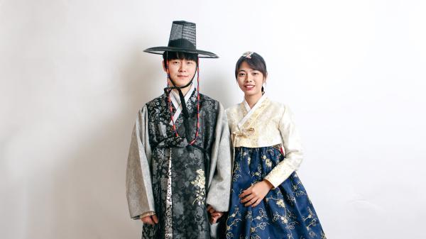 【【初夏FUN一下!】哲秀與英熙 釜山甘川文化村韓服體驗