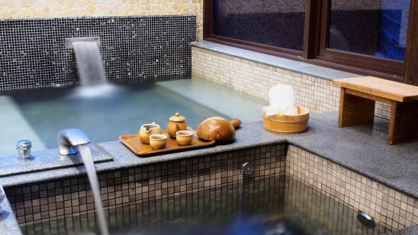 【【日月潭泡湯美食雙享受】馥麗溫泉大飯店雙人獨立湯屋+自助午餐 \/ 精緻晚餐