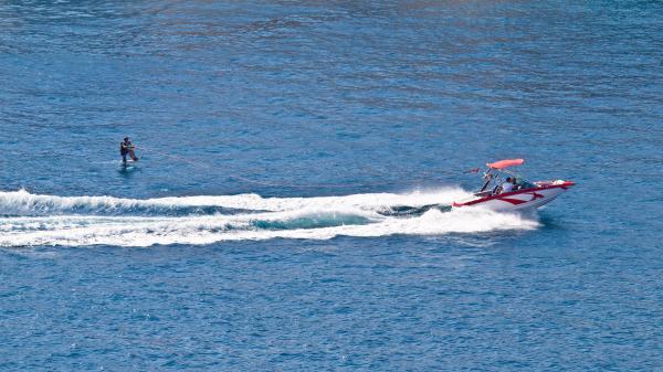 【【澎湖水上運動】極限寬板滑水體驗 Wakeboarding