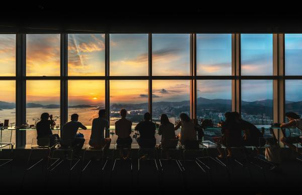 【【香港天際100餐廳】Café 100 景觀餐廳晚餐套票