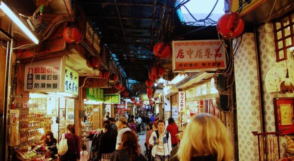 【【台北包車一日遊】暢遊九份、平溪、北海岸熱門景點(中、英、韓語服務)