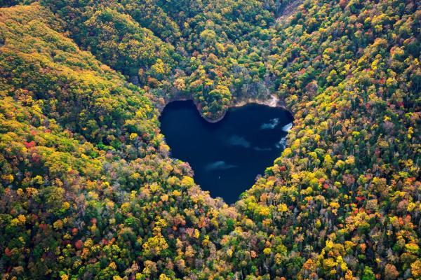 【【北海道空中體驗】直昇機遊覽心型湖 LOVE LAKE
