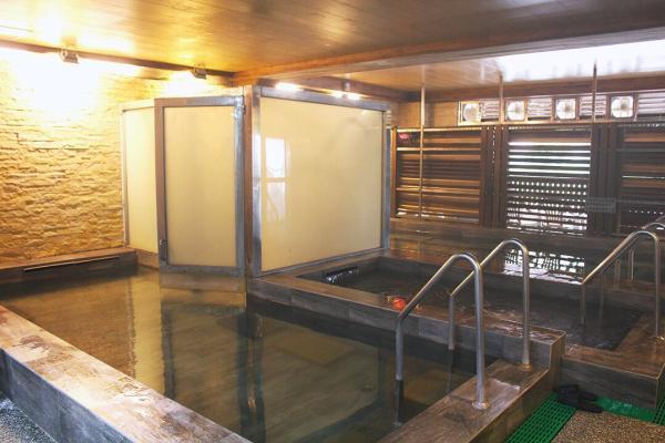 【【烏來平價泡湯】東風溫泉會館日式大浴場 \/ 日式湯屋