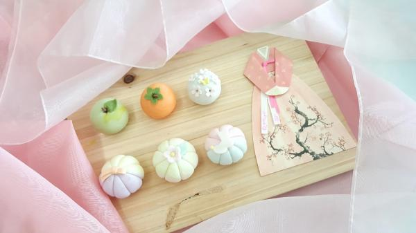 【【首爾特色體驗】Sunny's Dining手工造型年糕、米菓製作
