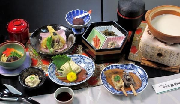 【【傳統豆腐豆皮懷石料理】かめや本家