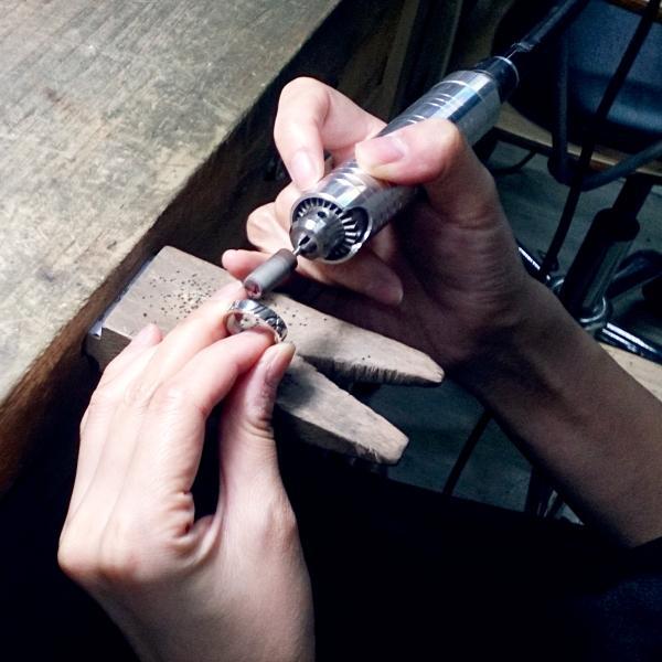 【【台灣在地六四設計品牌】圓弧設計銀戒手作體驗