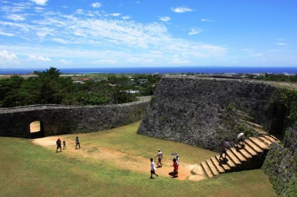 【【沖繩中部一日遊】東南植物園、永旺夢樂城(小人數拼團+中文導覽)