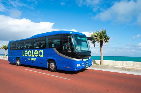 【【沖繩接駁巴士】那霸市內往返瀨長島、美國村 LeaLea OKINAWA 巴士