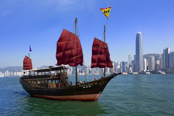 【【船遊港島風光】香港張保仔號赤柱航遊(中環、尖沙咀、赤柱碼頭)