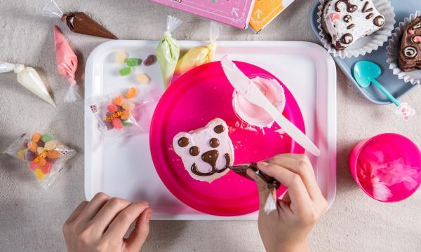 【【台中DIY彩繪甜點】小惡魔雪莉貝爾創意冰品甜點・DIY彩繪體驗