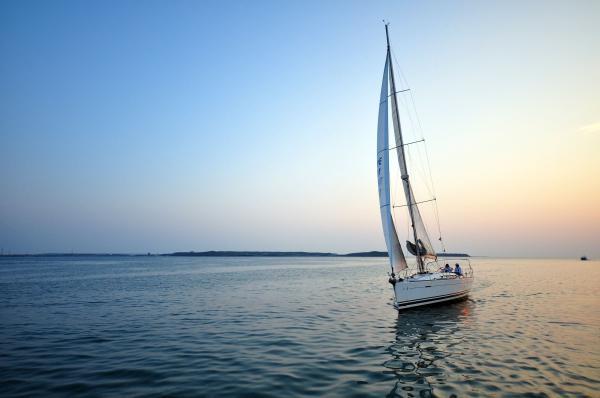 【【澎湖夕陽配美食】帆船夕陽晚餐之旅