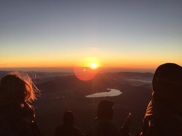 【【每日出發】攀登世界遺產富士山・御來光日出奇景二日遊
