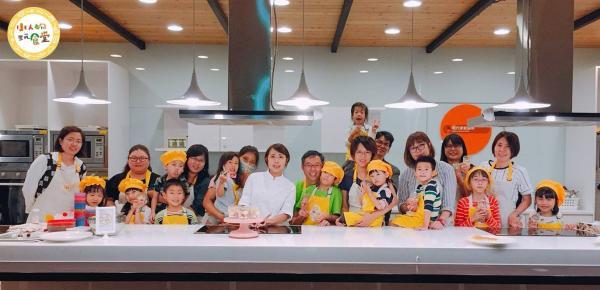 【【小人物玩食堂・親子烘焙】金鑽鳳梨酥・手做烘焙體驗+市場導覽