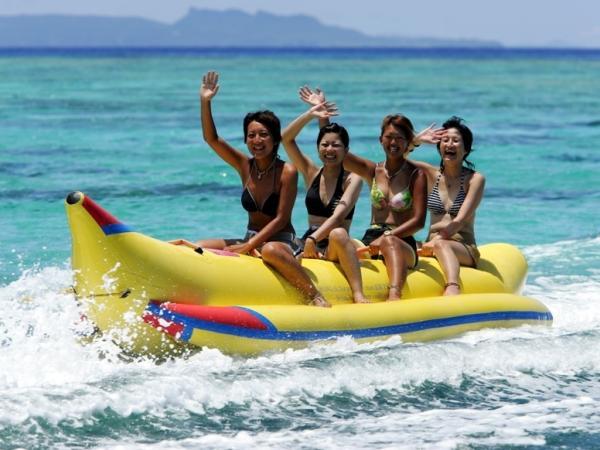 【【沖繩水上活動】拖曳傘、香蕉船、大力水手船