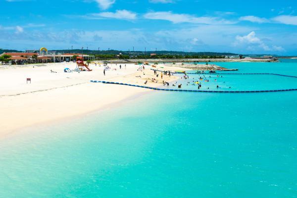 【【沖繩南部夏季限定】美美海灘、燒肉吃到飽、系滿魚市場一日遊