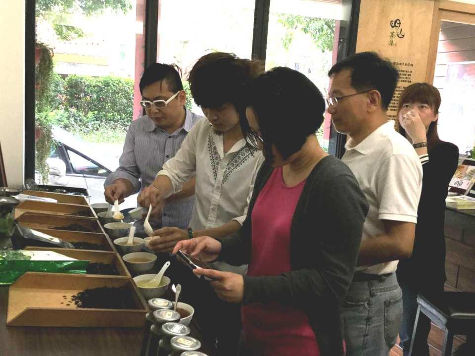 【品味台灣茶】台北大稻埕體驗台灣茶文化 & 封茶DIY