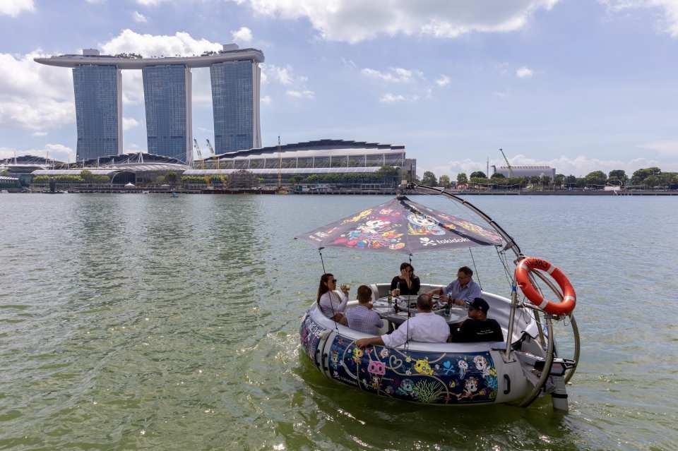 【新加坡燦爛濱海灣】漂浮甜甜圈船