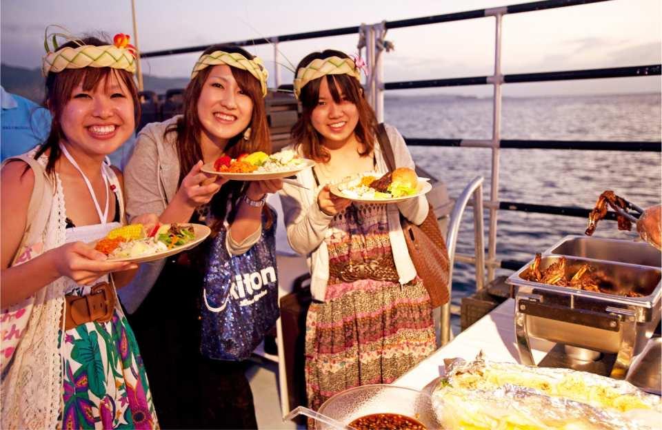 【グアム島スペシャル体験】アメリカ グアム島サンセットクルーズ体験(バーベキュー食べ放題、飲み物飲み放題付き)