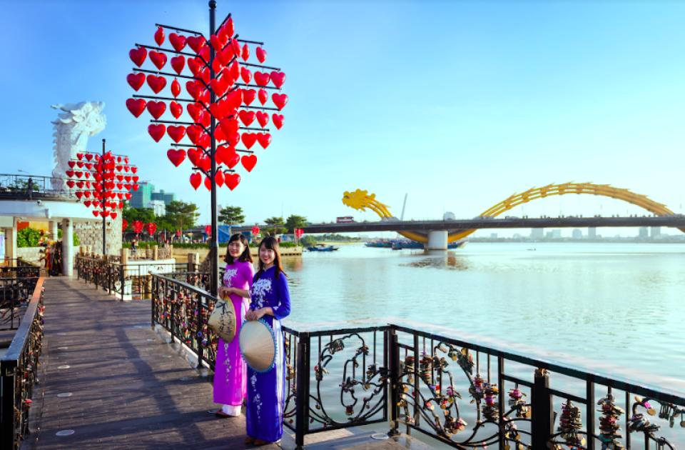 【越南傳統服飾奧黛體驗】自選峴港著名景點攝影半日遊
