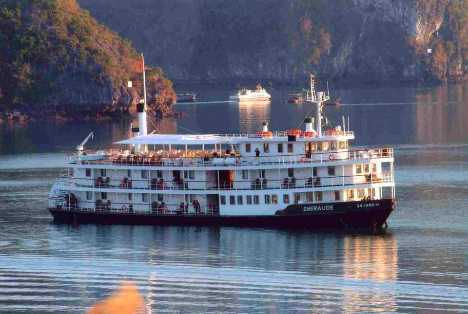 【下龍灣郵輪之旅】四星級 Emeraude Cruise 兩天一夜經典行程