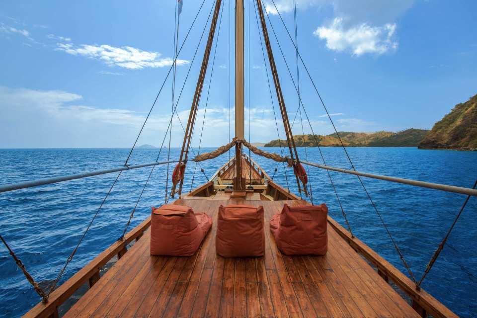 【科莫多島三天兩夜】木造帆船體驗船宿、科莫多國家公園跳島遊
